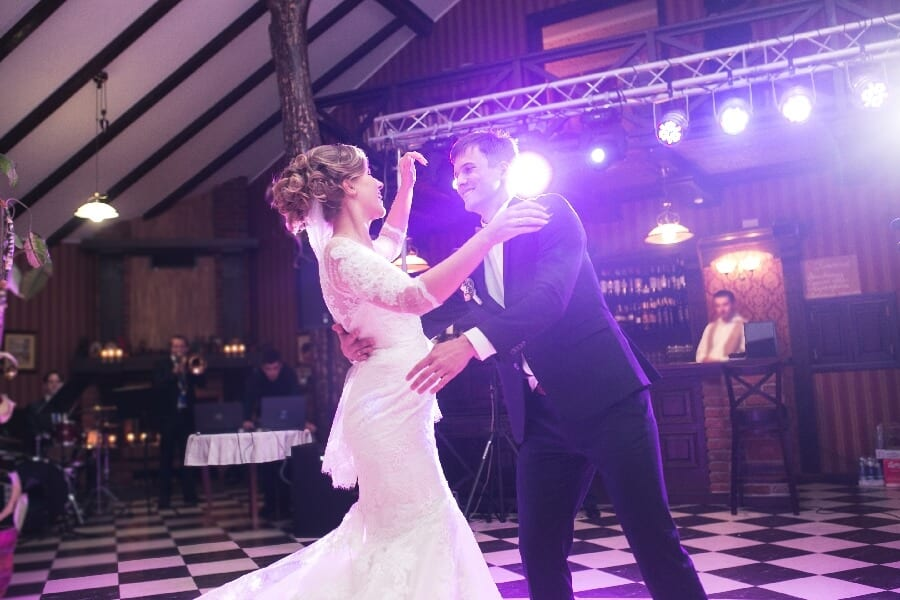 Dansul Mirilor, fotograf nunta iasi